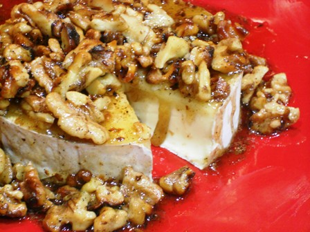 Easy Appetizers for a Party: Brie with Honeyed Walnuts
