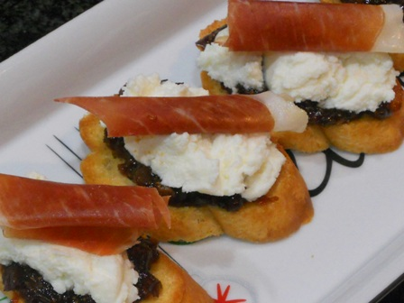12 Days of Easy Appetizers for a Party: Fig, Ricotta, and Prosciutto Crostini