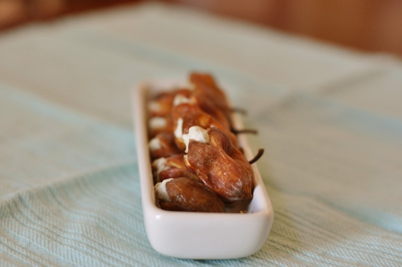 Figs stuffed with blue cheese and walnut cream